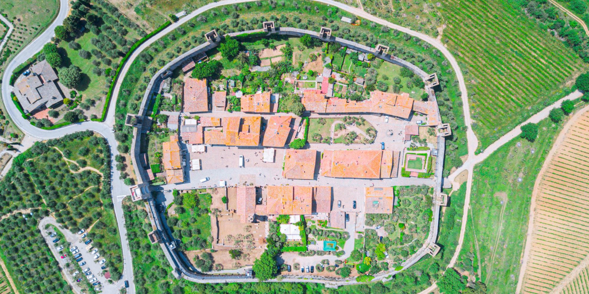 Monteriggioni-Borgo-De-Brandi0